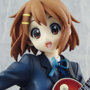 K-ON! 1/8 Scale Pre-Painted PVC Figure: Hirasawa Yui Alter Version (Re-run)